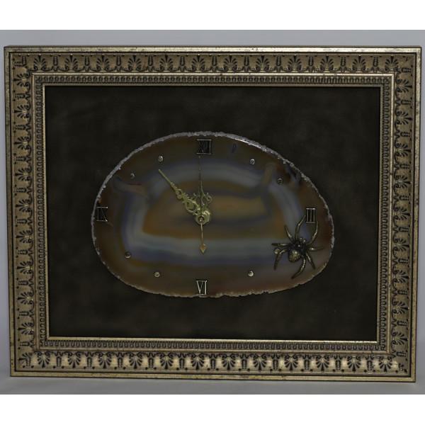 Часы картина из агата, паук