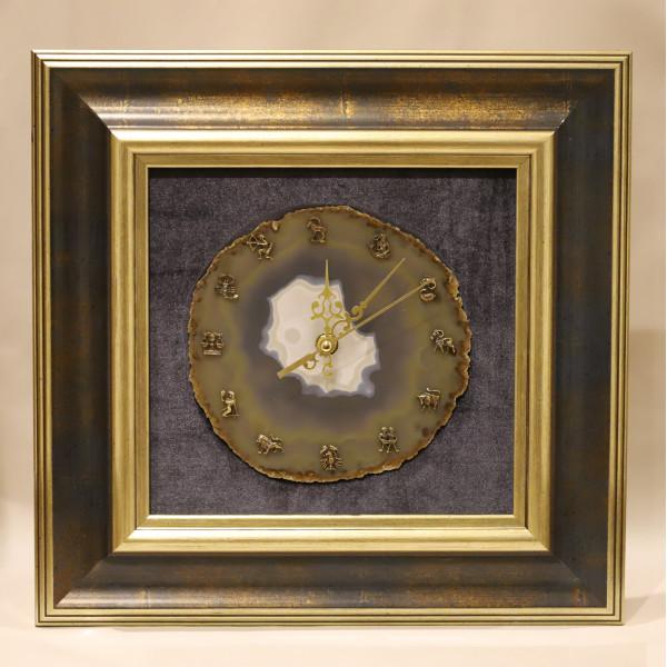 Картина часы со знаками зодиака, агат, багет, бархат